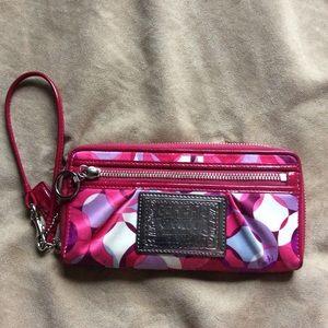 Coach Poppy zip around wallet